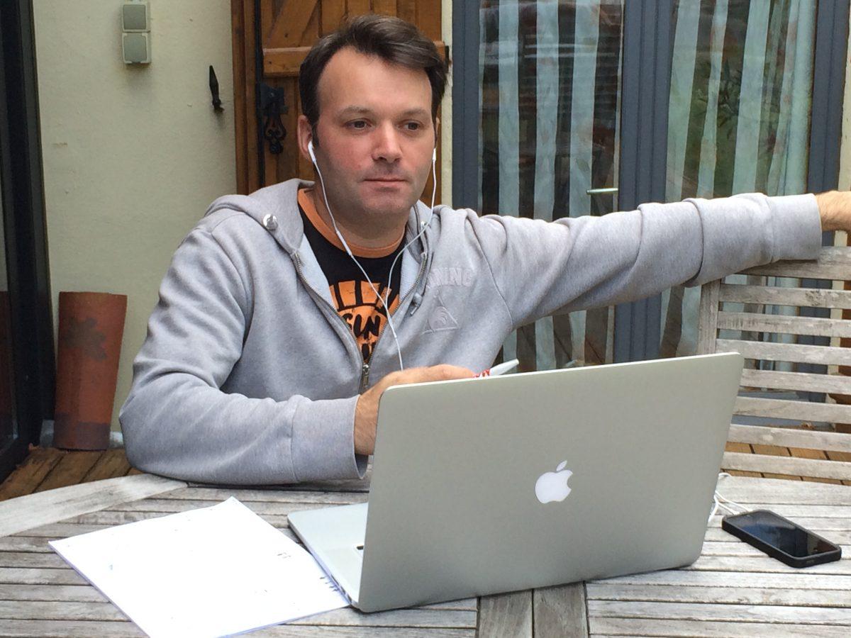 L'inventeur de BD. Stephan Boschat : scénariste BD et lettreur de comics. Il supervise L'Histoire de France en Bande Dessinée chez Hachette Collections.